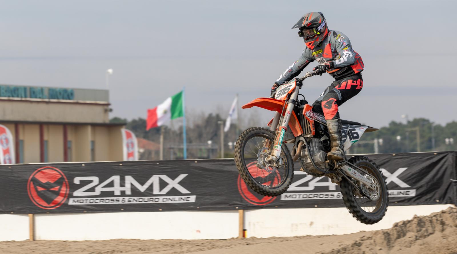 La stagione del motocross parte da Rosolina. Anche Kiara Fontanesi al via thumbnail