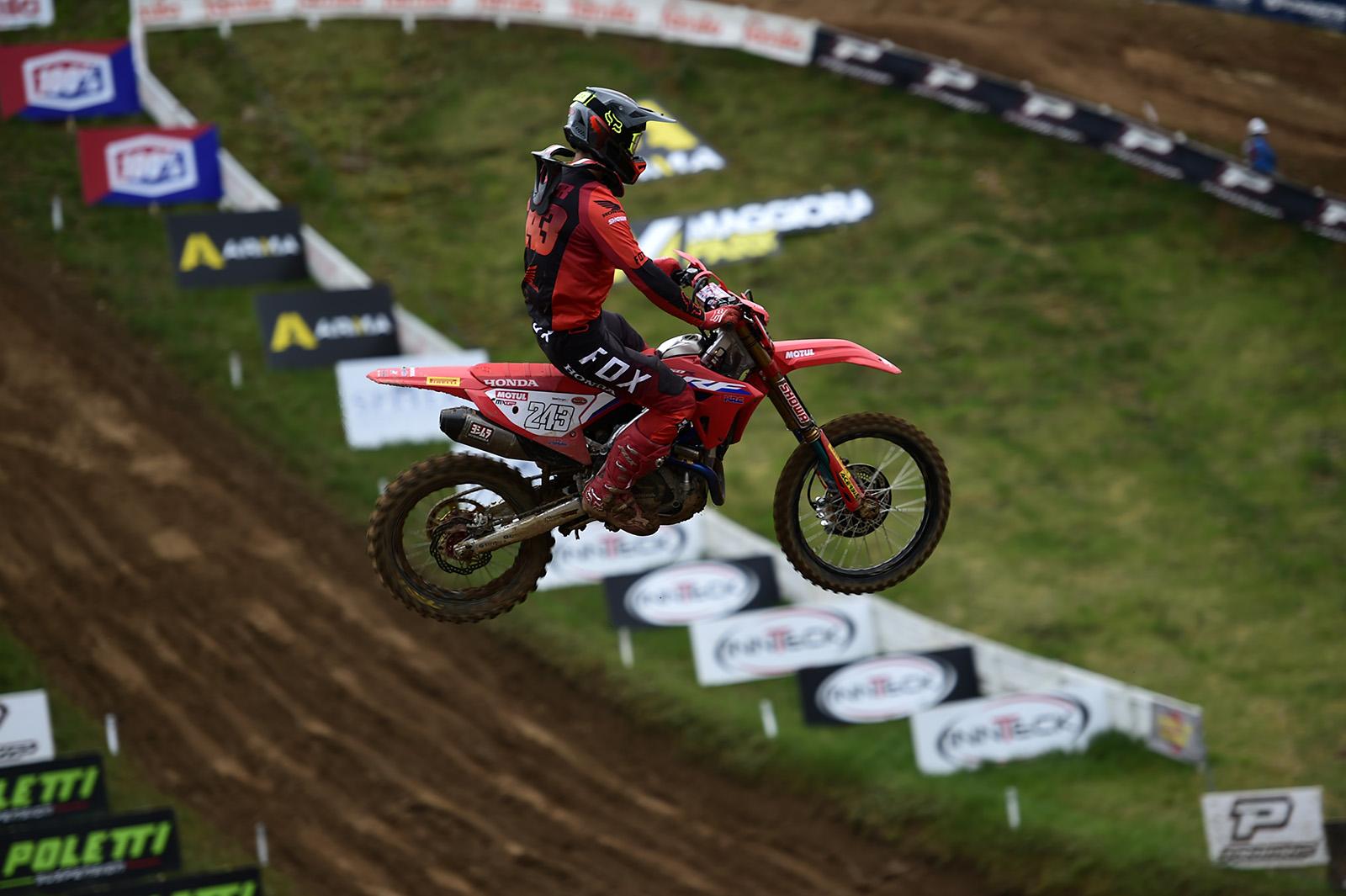 Gajser protagonista a Maggiora nel primo round dell'Italiano Motocross Prestige thumbnail